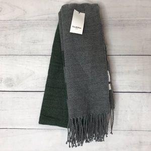 NWT Goodfellow green & gray scarf